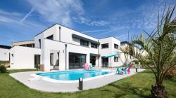 Les toitures plates sont de plus en plus plébiscitées sur le marché du résidentiel.