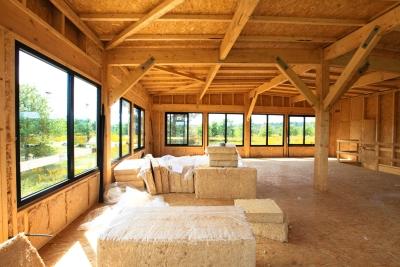 Isolation des combles, murs et cloison : pose de l'isolant en fibre de bois Isoduo 36