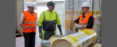 Test de la nouvelle laine à l'usine ISOVER