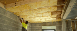 ISOVER lance une solution d'isolation par l'intérieur des toitures plates bois