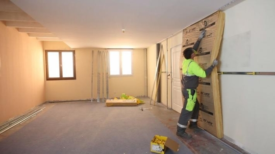 Isolation des murs par l 39 int rieur en r novation pi ce for Isolation mur interieur renovation