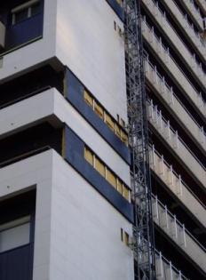 Travaux de rénovation énergétique : Pose de la laine de verre ISOFACADE 32