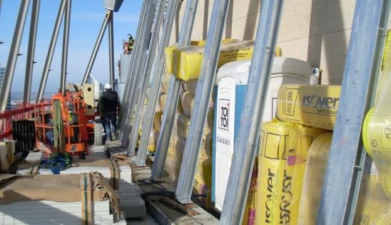 Produits d'isolation acoustique ISOVER au sommet de la Tour T2