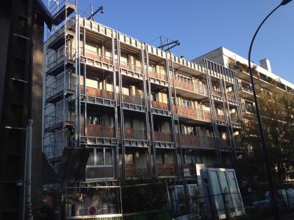 Isolation thermique logements collectifs : Mise en place des ossatures métalliques