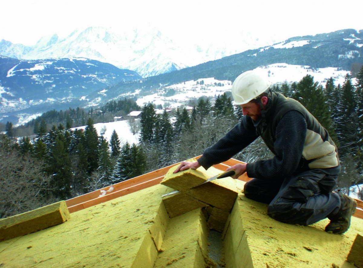 isolation de la toiture par l ext rieur en neuf solutions. Black Bedroom Furniture Sets. Home Design Ideas